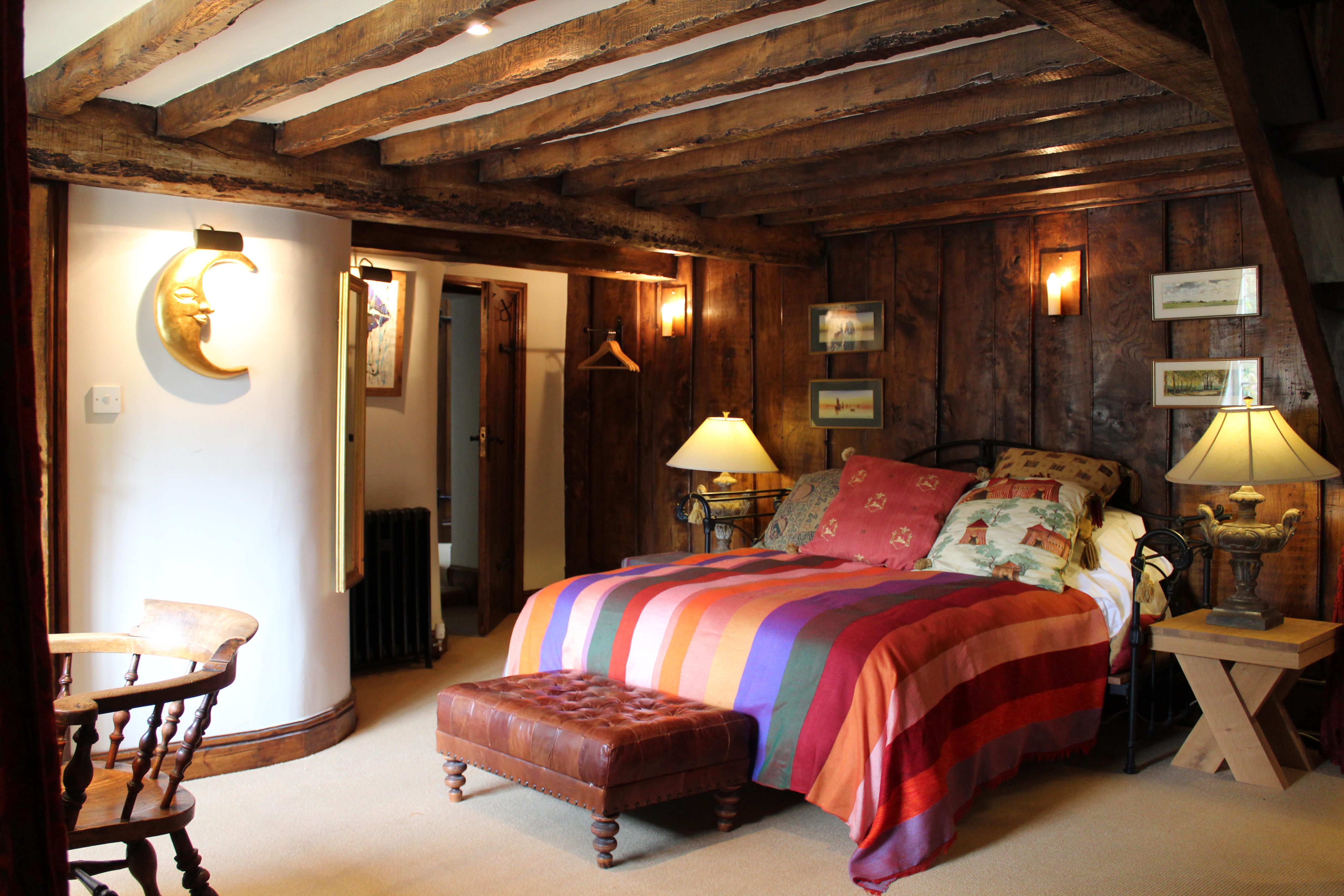 Landing bedroom.JPG